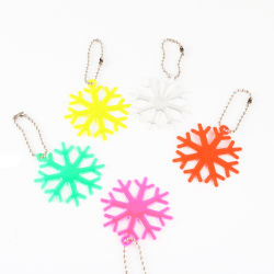 En forme de flocon de neige de gros cadeaux promotionnels réfléchissant Crochet de chaîne de clé