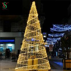 شجرة عيد الميلاد الحلزونية العملاقة أضواء الديكور الحبل للتسوق في الوسط