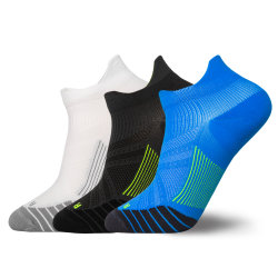 Kundenspezifische Firmenzeichen-Mann-bakterielle Antikomprimierung-laufende Form trifft Sport-Socken hart