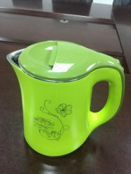 El color verde Plasitc hervidor de agua con el mantenimiento de temperatura electrónico 1.8L Función