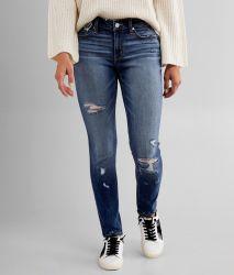お母さんのジーンズの100%年の綿