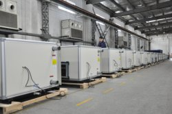 Freie Kühlung konstante Temperatur und Luftfeuchtigkeit 30000 CMH Warmwasser 60/50