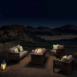 テラスの家具の藤のSetionalのソファーのアルミニウム火ピットが付いている屋外の庭セット