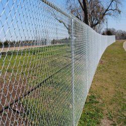 Galvanisierter Kettenlink-Maschendraht, der dekorativen Kettenlink-Zaun einzäunt