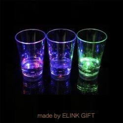 12oz 340ml LEDのプラスチックは点滅のカクテルのコップのウィスキーのコップのコーラのコップの冷たい飲み物のコップジュースのコップをつける
