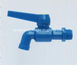 Grifo de plástico para el suministro de agua con colores transparentes o translúcidos