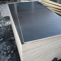 Comercio al por mayor 11mm 12mm 1220*2440 WBP melamina fenólico de álamos Core encofrados de madera contrachapada de película que se enfrentan