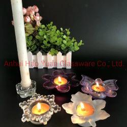 一組の花弁の形をしたガラス蝋燭ホールダー