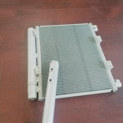 ラジエーターのヒーターのコンデンサーの蒸化器の熱伝達のためのアルミニウム自動エアコンの部品