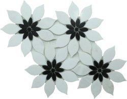 꽃은 벽 배경 또는 목욕탕 훈장을%s 대리석 돌 모자이크를 형성한다