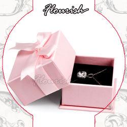 Un paquete plano romántico color rosada de cartón rígido de impresión CMYK Joyería caja de embalaje de regalo