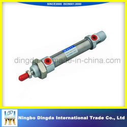 Vier Zug-Rod-Hydrozylinder