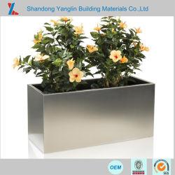 정원 재배자 또는 금속 쇼핑 센터 훈장을%s 큰 나무 상자 또는 현대 꽃 재배자 상자 또는 꽃 재배자