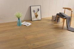 Piso da engenharia Multi-Layer /Oak/Ash/Elm/IPE/Walnut lubrificada Solidwood escovado/piso