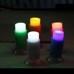 Spingere giocattolo del mini LED di tocco della tazza una di aspirazione del pollone di Pin del Nightlight il migliore LED della barra indicatore luminoso romantico chiaro per i regali dei capretti