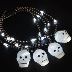 Neuheit-Aufleuchten-Schädel-Halskette für Halloween-Kostüm