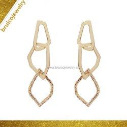تصميم مجوهرات عالية الجودة للنساء الفضية مع انخفاض الأسعار إسقاط المحاجر للفتيات