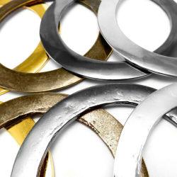 Fabricantes de hardware de puerta de metal para colgar los ganchos de anillo de metal Triangl