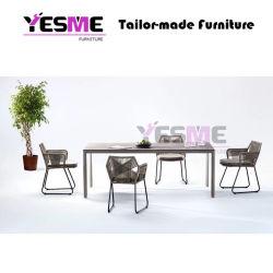 세트를 식사하는 중국 현대 옥외 가구 여가 정원 가구 호텔 살아있는 지역 등나무 밧줄 Polywood Textilene 새총 의자 세라믹 테이블
