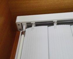 La decorazione della finestra dell'ufficio impermeabilizza i ciechi verticali del PVC di 89mm