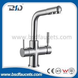 Si raddoppia il rubinetto puro del dispersore di cucina del filtro dal depuratore di acqua della famiglia della maniglia