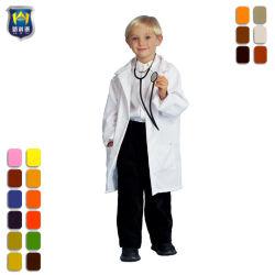 أطفال بيضاء مختبرة طبقة مزرعة عمل لباس داخليّ