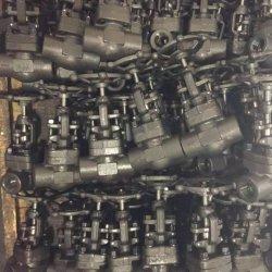 Valvola a saracinesca Avvitata DN32 con Finiture 13cr Body A105
