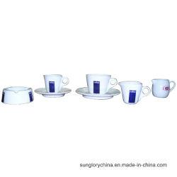 Lavazza versterkt het Asbakje van het Porselein en de Ceramische Thee vormt de Mok van de Koffie tot een kom