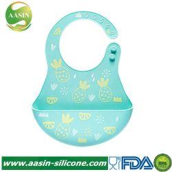 容易にきれいで快適でかわいく柔らかいシリコーンのネオプレンの防水赤ん坊の胸当てを拭く
