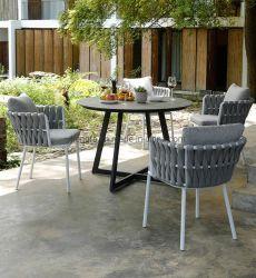Moderner Entwurfs-stellen im Freiengarten-Möbel Rattan-spinnenden Stuhl-Aluminiummarmortisch ein