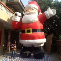 Le Père Noël gonflable de plein air