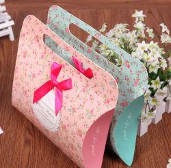 꽃 포장지 상자를 포장하는 고급 사탕 축제 선물
