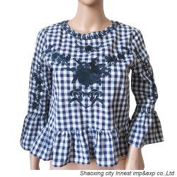 Nuevo estilo hilado teñido de tejido cuadriculado mujer Blusa con bordados