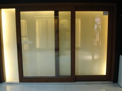 최고 방음 실내 단단한 나무 골격 유리제 색칠 문