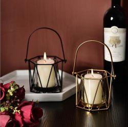 Supporti di candela geometrici nordici all'ingrosso del ferro del candeliere di figura del supporto di candela di Maxery per la casa