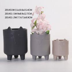 陶器のテーブルの上の飾る手塗りのテーブルトップは terleta-Cotta のプランターの磁器を植える 花鍋の家の装飾の装飾 - せっ器の庭の鍋