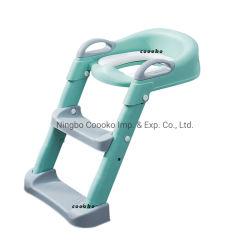 幼児のための梯子そしてハンドルと取るに足らない洗面所のトレーニングシート