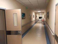 ICU 환자 대기중 전화실 병원 우드와 문
