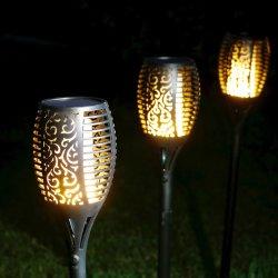 La torcia tremula impermeabile della fiamma illumina la lampada solare del giardino della decorazione esterna di paesaggio dei 96 LED per la via della festa nuziale di natale
