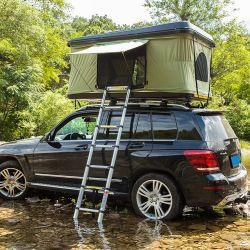 سيارة رياضية متعددة الاستعمالات في الهواء الطلق مزودة بمحرك السيارة ذات الهيكل الصلب المقاوم للماء رباعي الدفع خيمة سقف على السطح لأربعة أشخاص