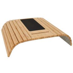 Resto di bambù del braccio del cassetto del sofà con il sottobicchiere della bevanda del supporto del telefono