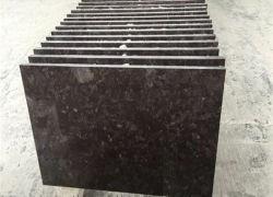 Pedras naturais preto/branco/cinza/aperfeiçoou/flamed polido/granito Marrom antigo escovado para parede/piso/lajes exterior/quadros/bancadas de trabalho/escadas/soleiras/coluna pavimentadoras/