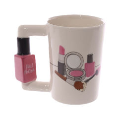目新しさ Lipstick の構造ブラシの毛の毛は陶磁器のコーヒー . マグを扱う