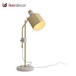 새로운 Retro 금 격자 현대 예술 장식 디자이너 침실 호텔 LED 테이블 책상 빛