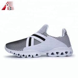 China fábrica de calzado zapatillas de deporte personalizar su propio logotipo suela suave marca de zapatillas de deporte informal para hombre y mujer