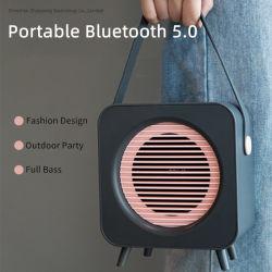 새로운 Bluetooth 5.0 레트로 휴대용 무선 Bluetooth 스피커(실외에서 사용 3D 베이스 서라운드 사운드 스피커 TF 보조 보먼박스