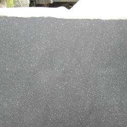 Les carreaux de revêtement de sol flammé carreaux de granit noir G684 pour paver la pierre