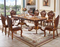 10의 의자 세트를 가진 대리석 테이블을 식사하는 호화스러운 미국식 별장 호텔 또는 홈
