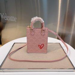 l صورة طبق الأصل لمصمم فاخر تقع في حقيبة يد Love Cussin Lady