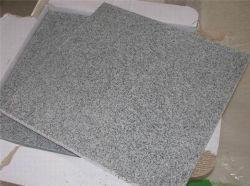 自然な石G633中国の灰色の花こう岩の床の壁のタイル